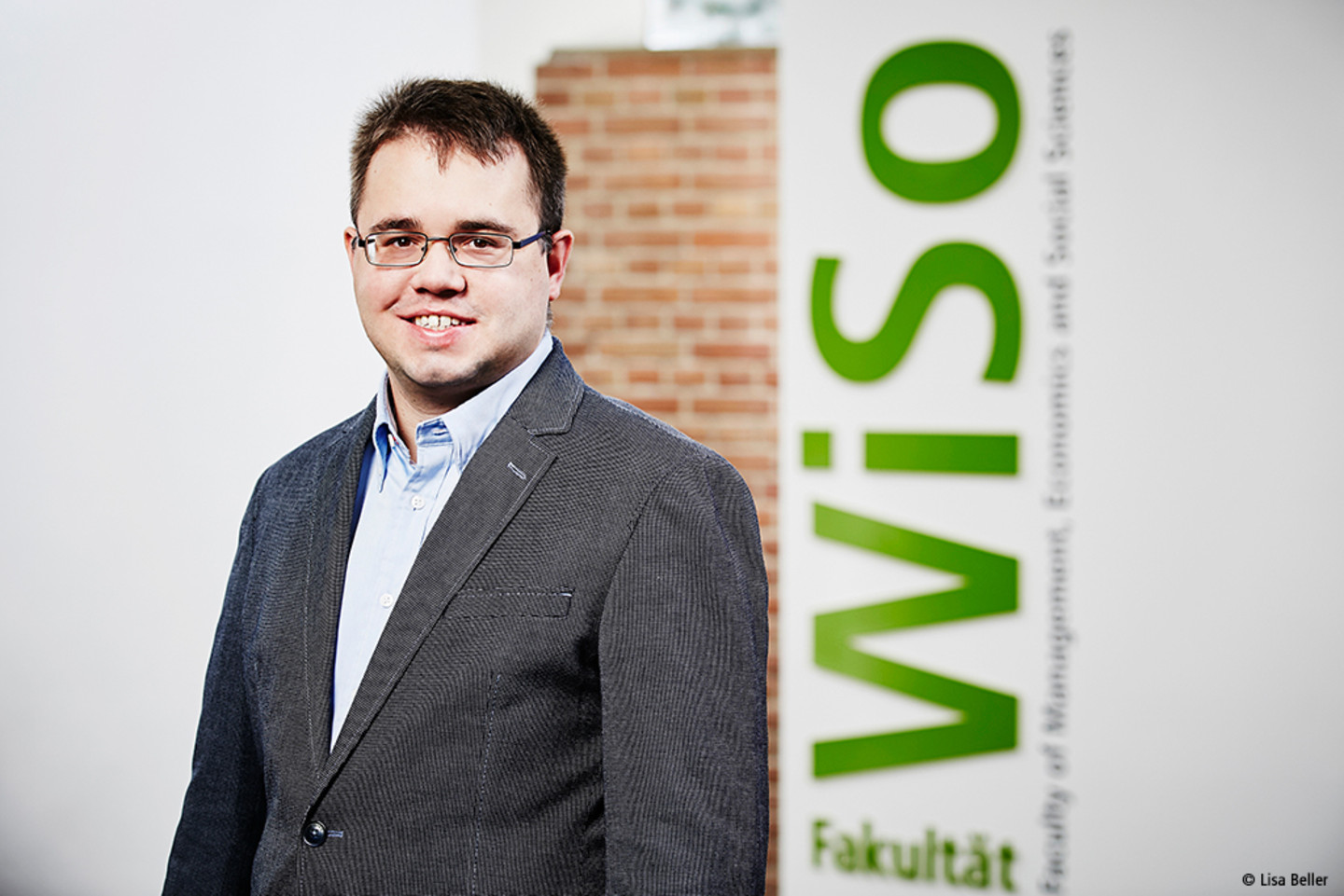"[This content is not available in ""Englisch"" yet] Portrait Prof. Dr. Dominik Wied"
