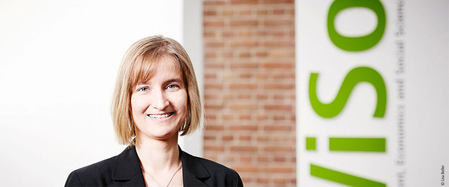 Portrait Prof. Dr. Franziska Völckner - Department of Marketing and Brand Management